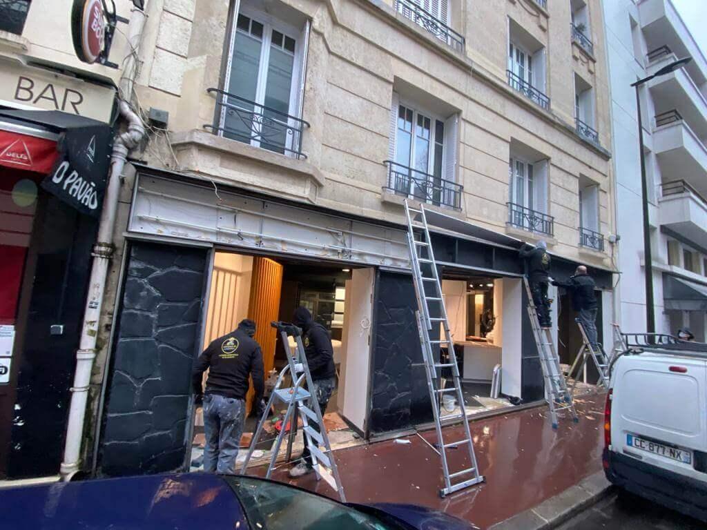 Pose vitrine commerce Paris